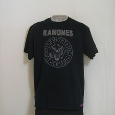 t-shirt ramones distressed he ho