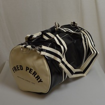 classic barrel bag fred perry zwart wit l4305-d57
