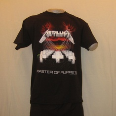 t-shirt metallica masters of puppets